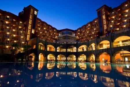 Holiday World Resort