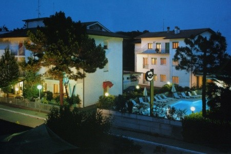 Hotel Sayonara S Bazénem Tbo- Zadina Di Cesenatico - Last Minute a dovolená