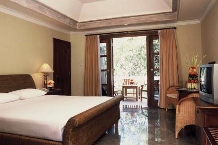 Griya Santrian Resort