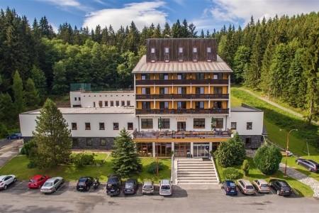 Karlov Pod Pradědem - Hotel Kamzík, Česká republika, Jeseníky