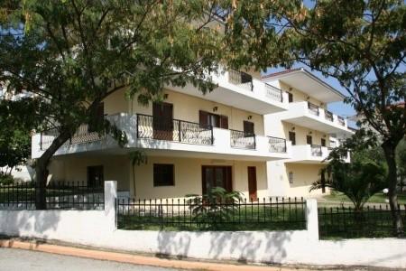 Vila Christos - letecky