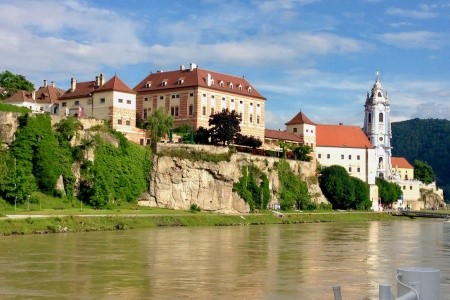 Rozkvetlé údolí Dunaje Wachau a Bratislava - v červnu