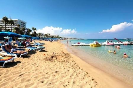 Iliada Beach Hotel - v srpnu