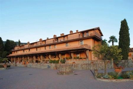 Residence Fattoria Degli Usignoli - Apartmány - Last Minute a dovolená