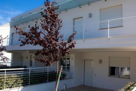 Residence Cerrano Park - v červenci