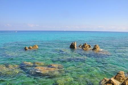 Slunná Kalábrie od Jónského moře