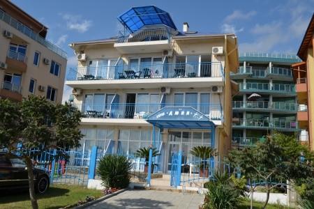 Hotel Djuni - Bulharsko  letecky z Sliače
