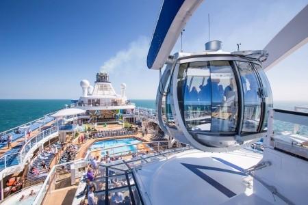 Usa, Kanada Na Lodi Ovation Of The Seas - 393955000