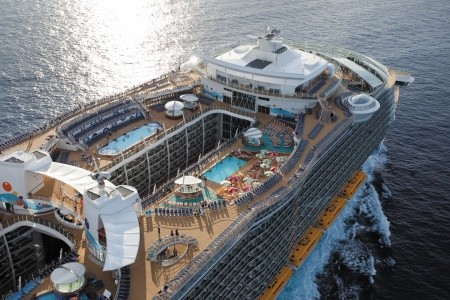 Usa, Bahamy Z Cape Liberty Na Lodi Oasis Of The Seas - 393961634