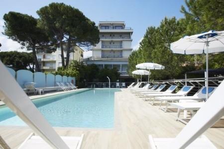 Residence Hermitage - Pietra Ligure - Last Minute a dovolená
