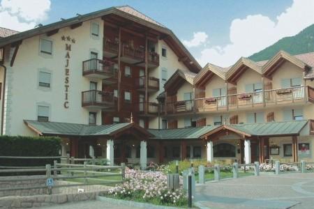 Rezidence Majestic S Bazénem Př– Predazzo, Itálie, Dolomity Superski