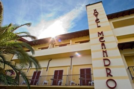 Hotel Meandro S Bazénem Pig- Gargnano / Lago Di Garda - hotely