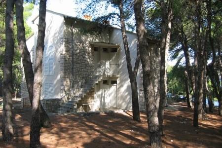 Pavilony Zora, Chorvatsko, Primošten