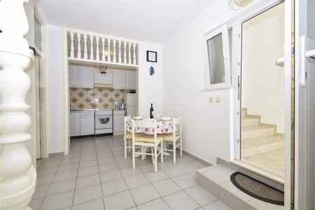 Apartments Crvelin - first minute