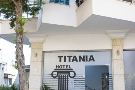 Hotel Titania - letecky