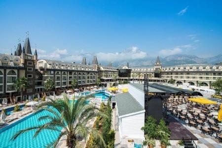 Amara Prestige Elite Hotel