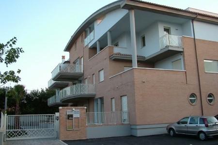 Residence Alighieri, Itálie, Abruzzo