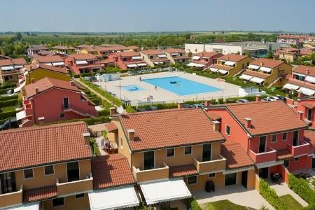 Residence Villaggio Dei Fiori S Bazénem