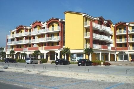 Residence Ciclamini S Bazénem - Last Minute a dovolená