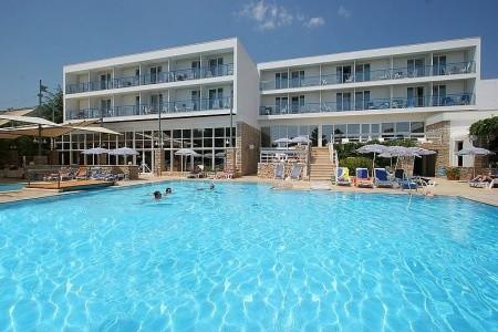 Borak Bluesun Hotel, Chorvatsko, Brač