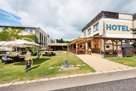 Vrchlabí - Holiday Park Liščí Farma - Hotel