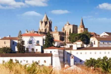 Navštivte Évoru, jeden z nejlepších turistických cílů Portugalska