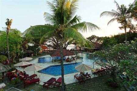 Puri Saron - Bali v dubnu