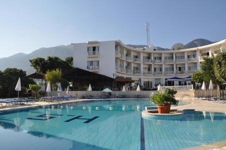 Sempati Hotel Snídaně