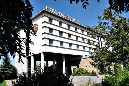 Krakow, Hotel Sympozjum & Spa S Výbornou Poloh Snídaně