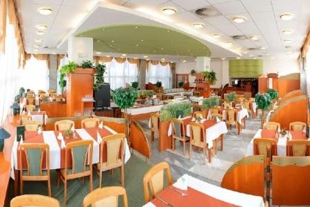 Hotel Flóra - letní dovolená