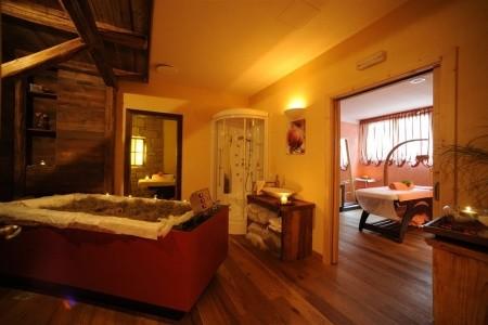 Dni Fiemme Hotel Shandranj
