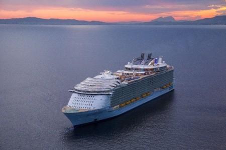 Usa, Mexiko, Honduras Na Lodi Harmony Of The Seas - 393863951