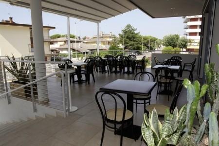 Hotel Ambassador - Itálie  v září