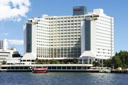 Ramada Plaza Bangkok Menam Riverside - v červenci