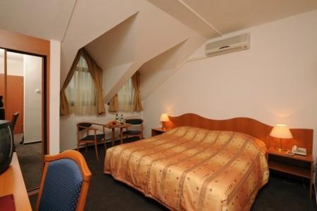 Hunguest Hotel Flóra - v září
