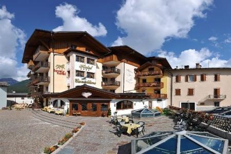 Hotel Cavallino Lovely Hotel S Bazénem Pig – Andalo - v březnu