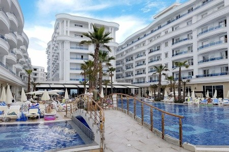 Hotel Grand Blue Fafa - v červnu