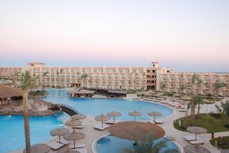 Pyramisa Beach Resort