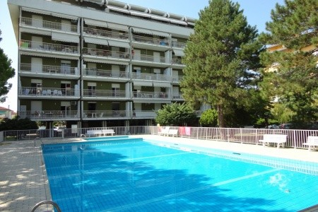 Residence Garden S Bazénem Psm - Last Minute a dovolená