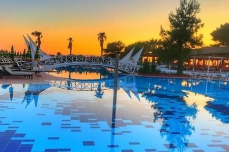Tropikal Resort Snídaně