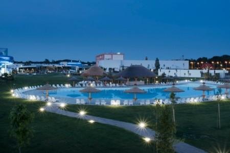 Mjus World Resort & Thermal Park, Maďarsko, Termální Lázně