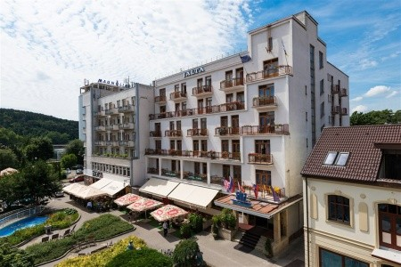 Piešťany - Hotel Jalta - v březnu