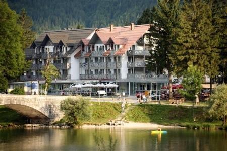 Hotel Jezero - v březnu