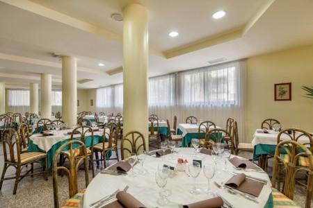 Hotel Rina S Bazénem Pig- Alghero - Itálie  v říjnu - First Minute