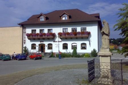 Stará Škola - Sloup U Moravského Krasu