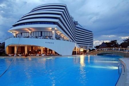 40% Turecko, Antalya: 8 denní pobyt v Titanic Beach…