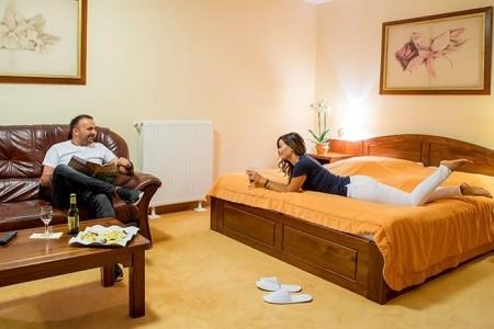 Orchidea Hotel Lipót - v červenci