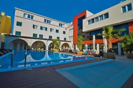 Hotel Borovnik - v červenci