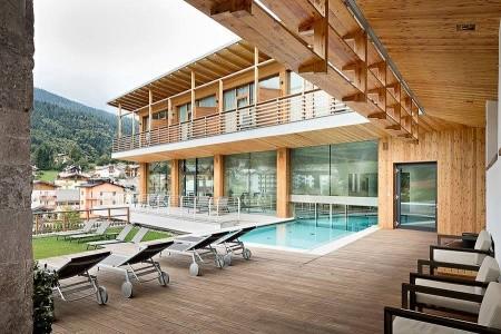 Hotel Corona Dolomites S Bazénem Pig- Andalo - v březnu