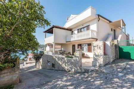 Apartmány 1355-1068 - Last Minute Murter - Chorvatsko